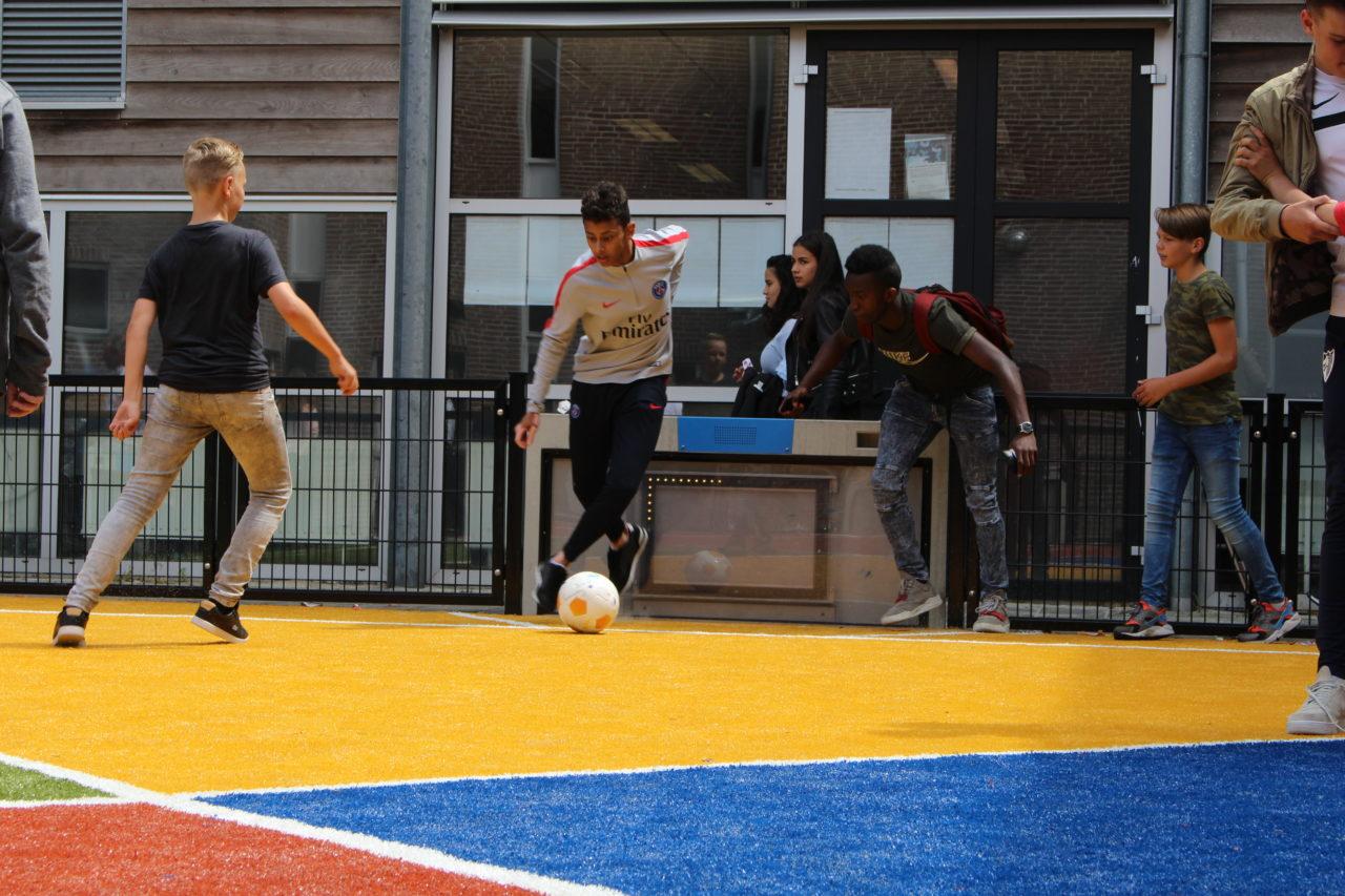 Wil je ook interactief spelen op het schoolplein?