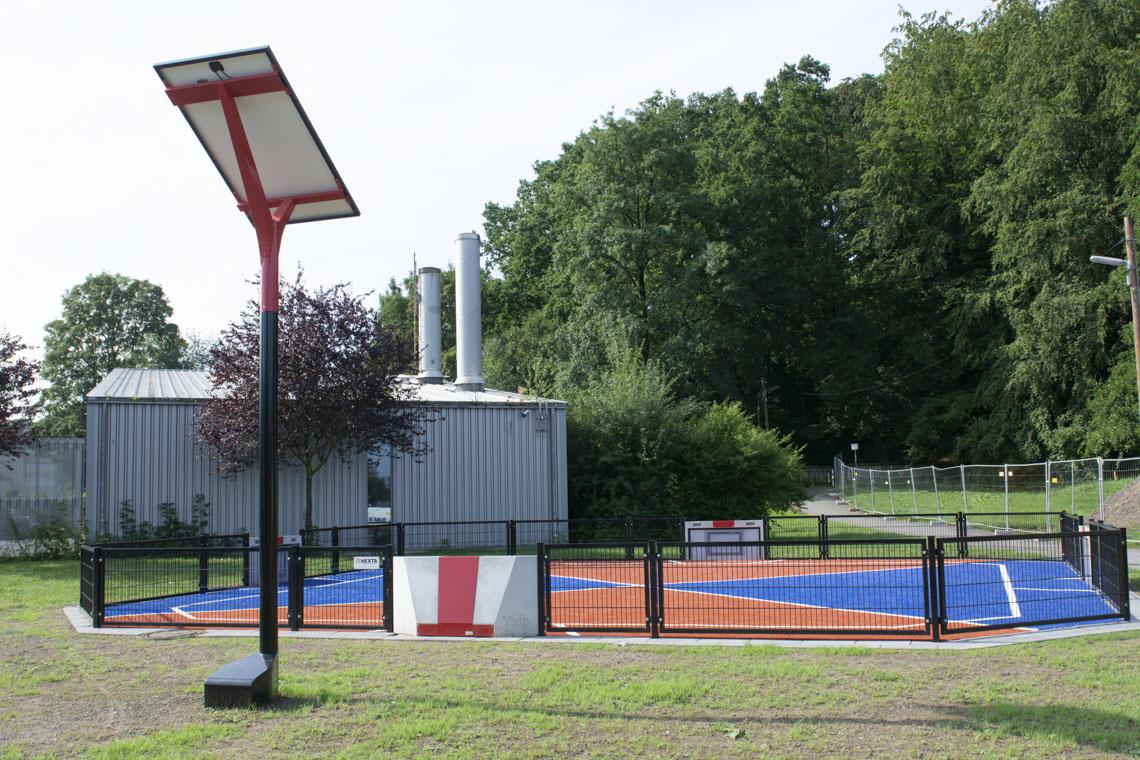 Voorbeeld van een Yalp Solar bij een Yalp Toro sportveld